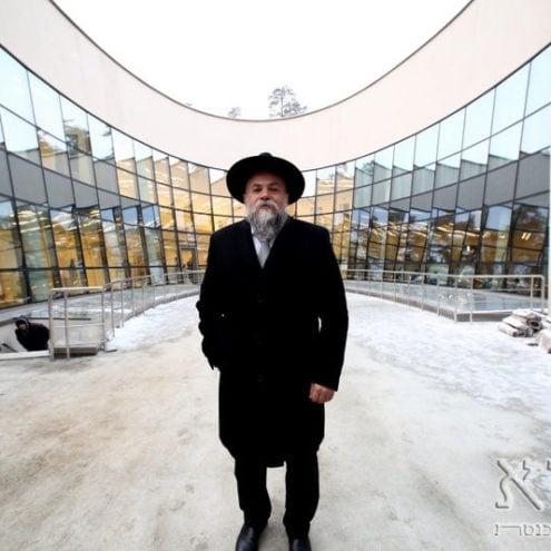 building synagogue